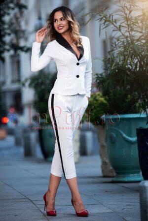 Compleu dama elegant alb cu dungi negreCOMPLEURI