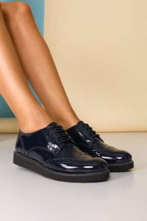 Pantofi  bleumarin cu strasuri pe talpa si design cu perforatii