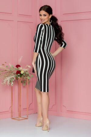 Rochie  cu dungi alb-negru si aspect petrecut
