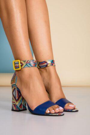 Sandale bleumarin cu imprimeu multicolor pe toc si calcai