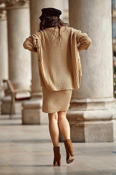 Set fusta cu pulover